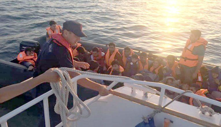 Lastik botta 35 göçmen
