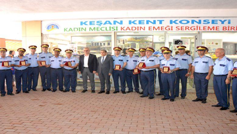 Keşan Belediye Bandosu plaketle onurlandırıldı