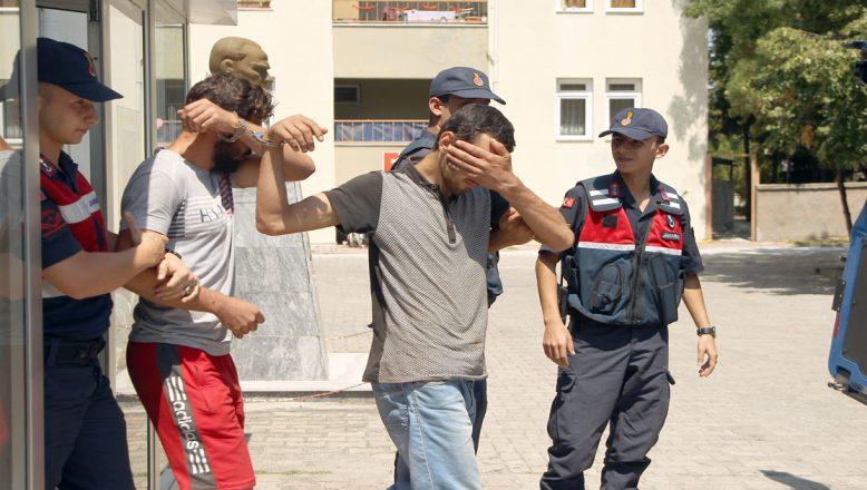 Kablo hırsızları kıskıvrak yakalandı