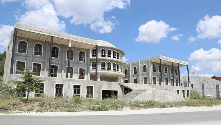 Atatürk Kültür Merkezi inşaatı sürüyor