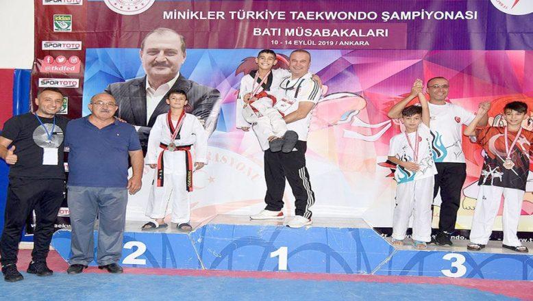 Türkiye Tekvando Şampiyonası'ndan madalyalarla döndüler