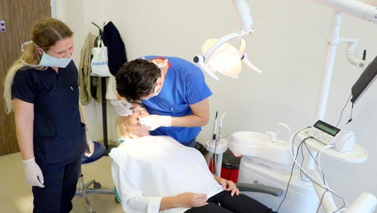 Balkanlardan diş tedavisi için Tekirdağ'a geliyorlar
