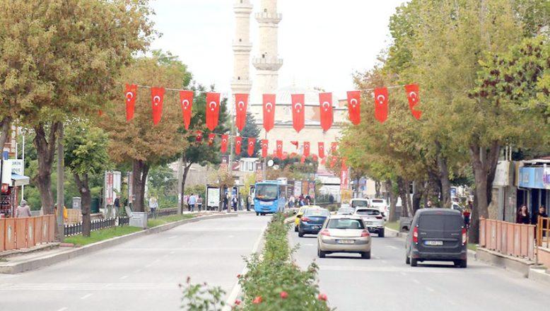 Edirne Türk Bayraklarıyla donatıldı