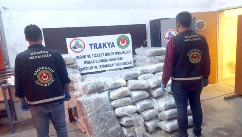 Gizli bölmede 335 kilo uyuşturucu