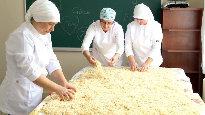 Beş çayında çıkan fikirle üretime katıldılar