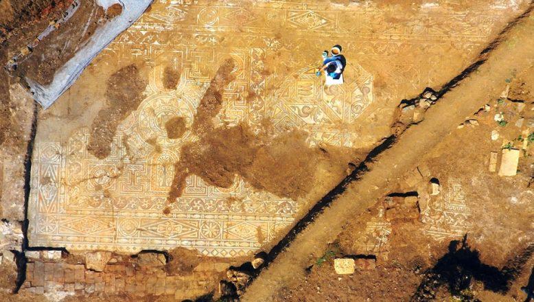 Kaçak kazı sırasında bulundu, tam bin 500 yıllık
