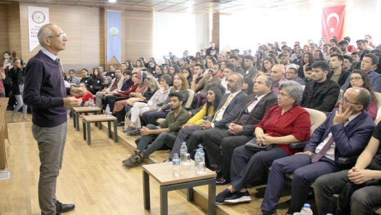 """""""Tarih, Tarihçi ve Tarihçilik"""" konferansı"""