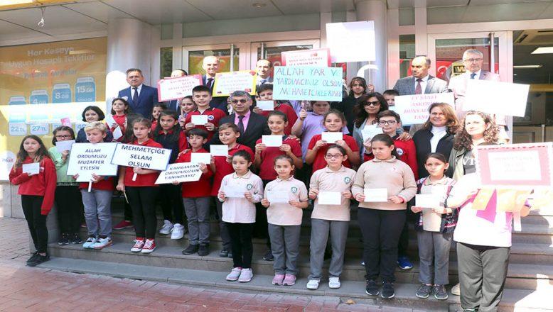 İlkokul öğrencilerden Mehmetçiğe destek mektubu