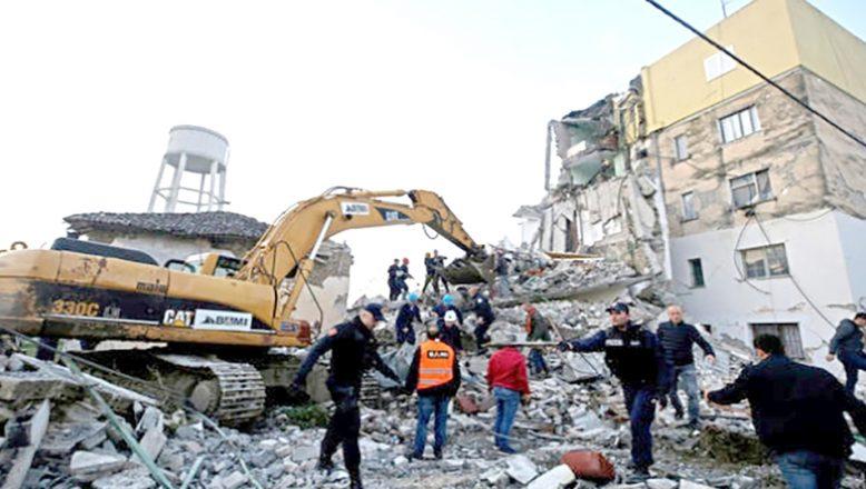 Arnavutluk'ta, 6,2 büyüklüğünde deprem