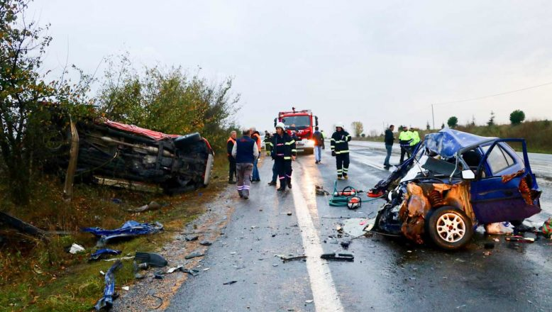 Tekirdağ'da feci kaza; 2 ölü, 3 yaralı