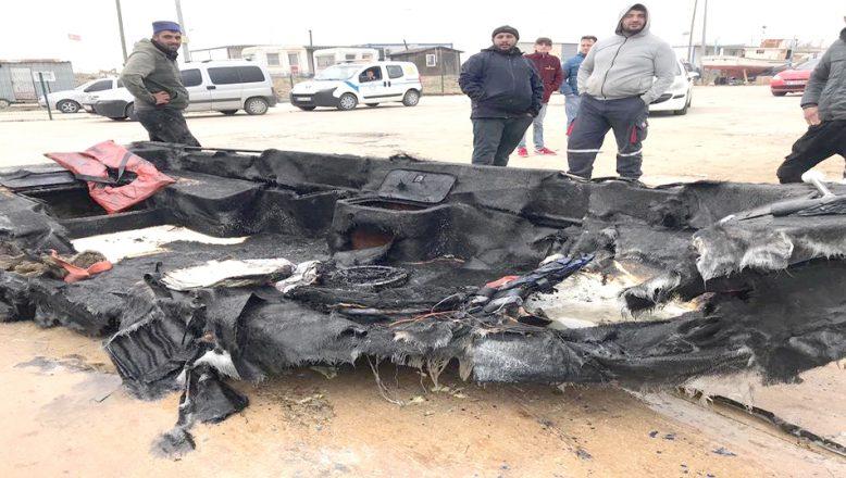 Enez limanında üç tekne alev alev yandı
