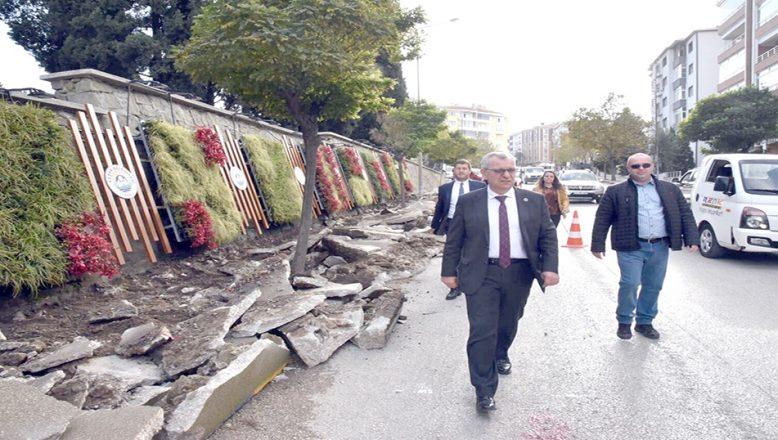"""Helvacıoğlu, """"Keşan'da artık yollar konuşulmuyor"""""""