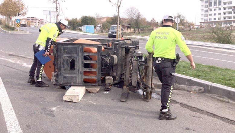 Forkliftin altında kalan sürücü kurtarıldı