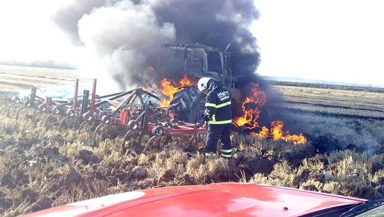 Traktör alev alev yandı