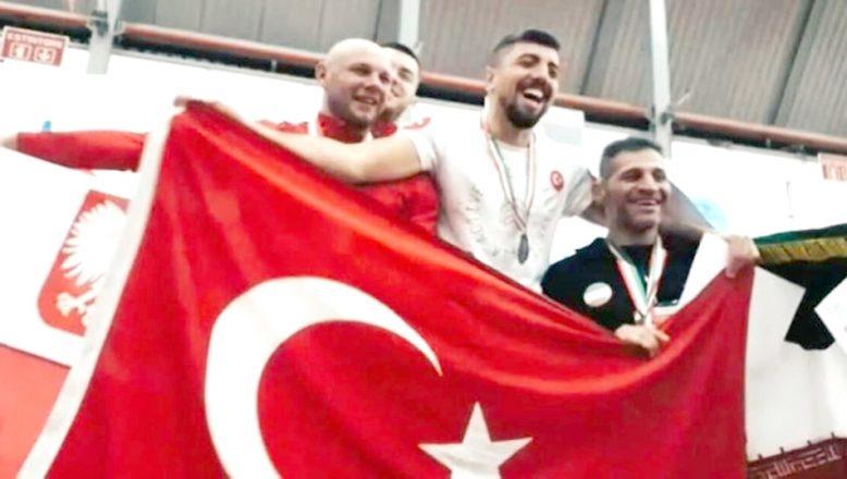 Şahbaz, Dünya Şampiyonu oldu