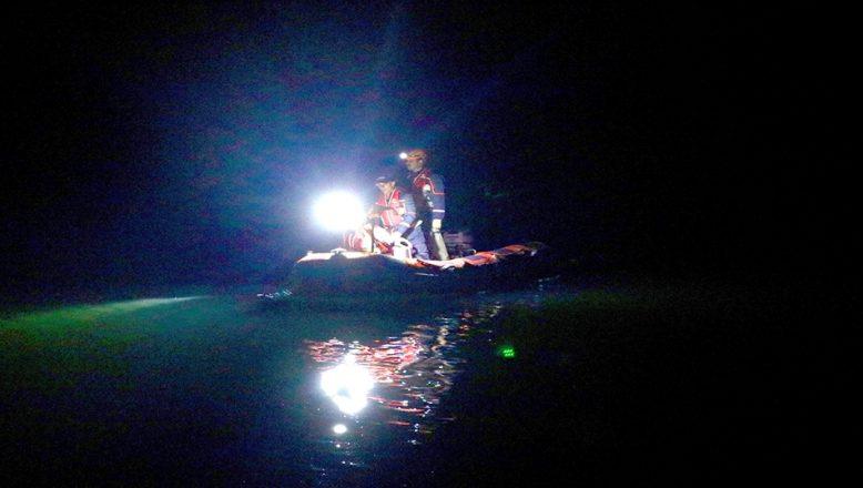 Balık tutarken gölete düştü