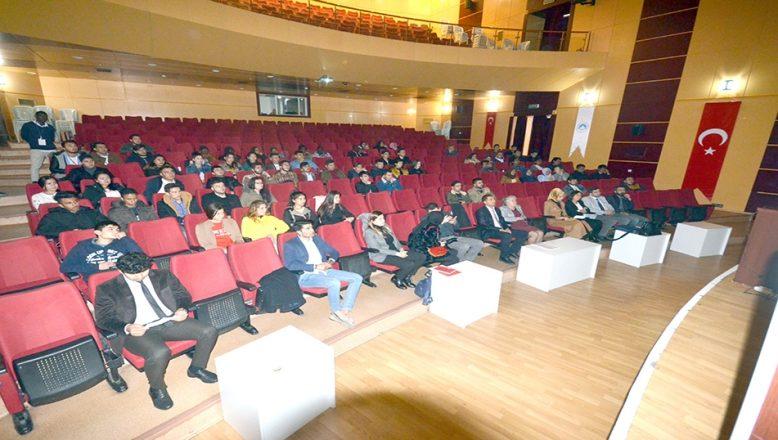 KLÜ'de uluslararası öğrenciler tanışma toplantısı