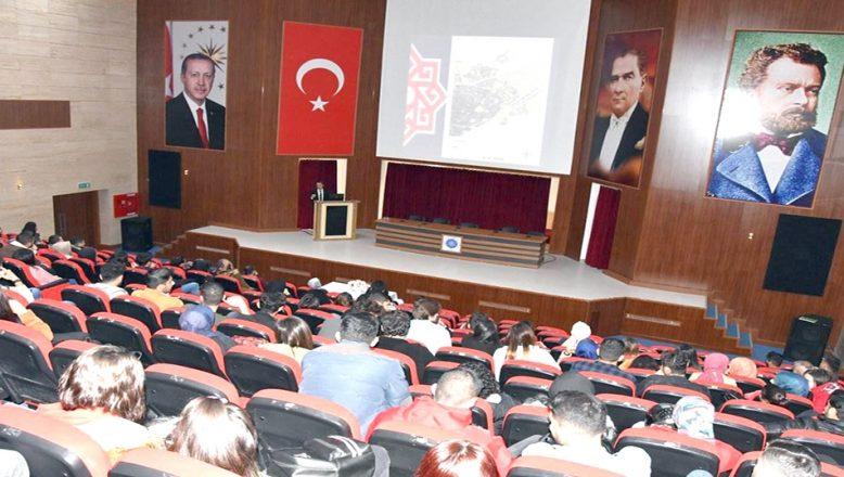 Coğrafi Bilgi Sistemleri konferansı yapıldı