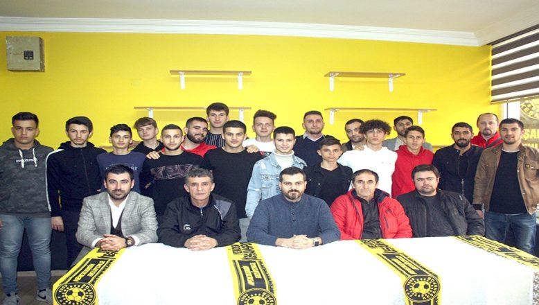 Keşanspor'da futbolcular kamuoyuna tanıtıldı