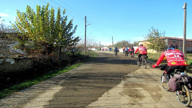 SARDOS, Alıç Köyü'ne pedal çevirdi