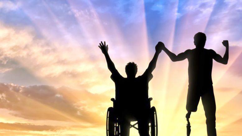 Tekerlekli sandalyeler teslim edildi