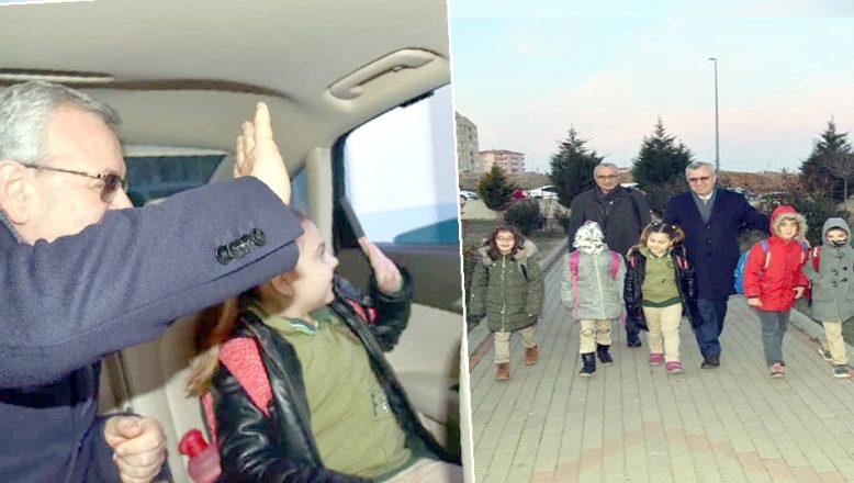 Başkan Helvacıoğlu öğrencileri makam aracıyla okula götürüyor