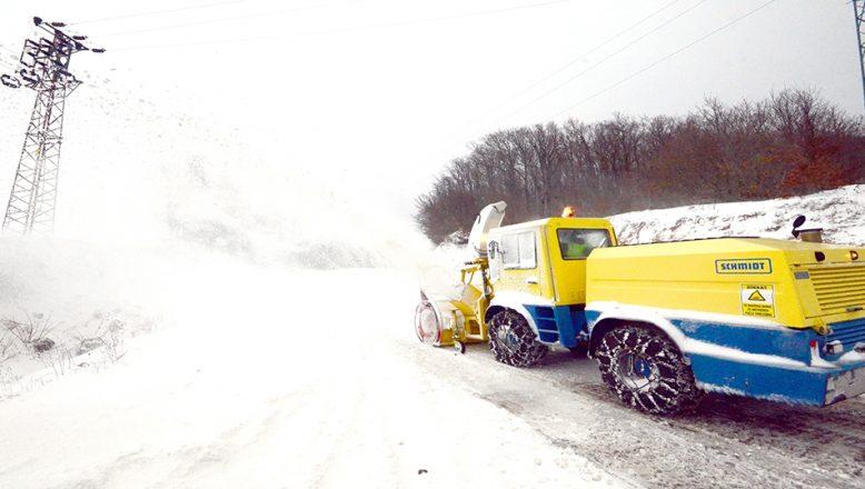 Kırklareli'nde 24 köy yolu ulaşıma kapandı
