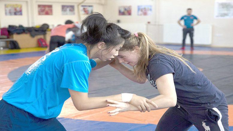 Kadın Güreş Milli Takımı gözünü olimpiyat şampiyonluğuna dikti
