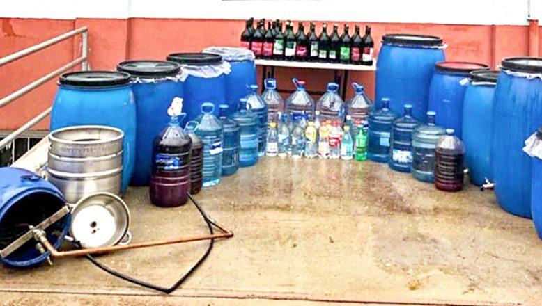 Tekirdağ'da 890 litre kaçak içki ele geçirildi