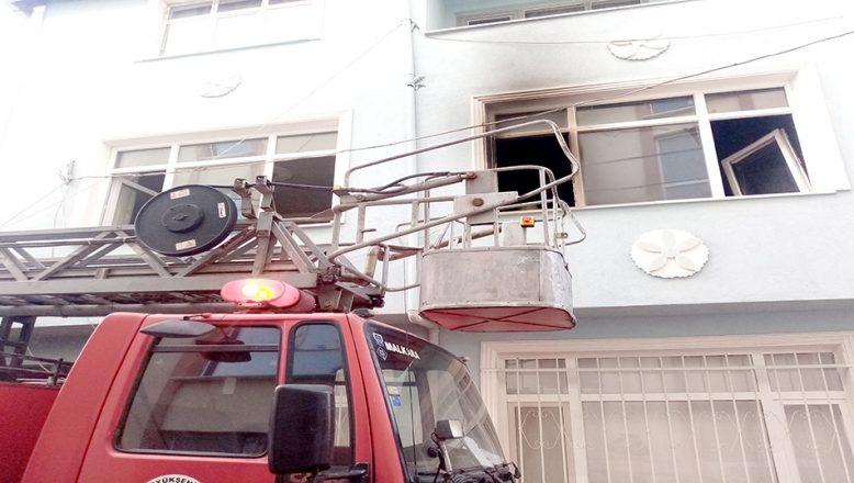 Tekirdağ'da patlayan televizyon evde yangın çıkardı