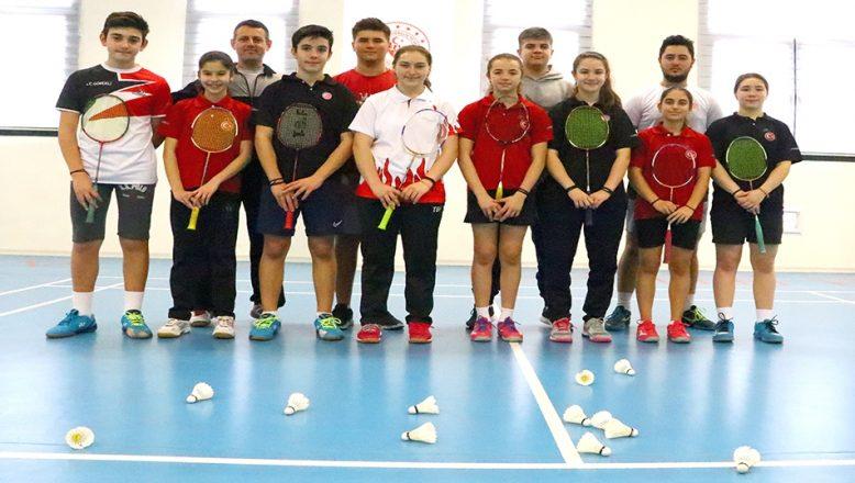 Badminton Kursları devam ediyor