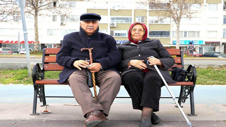 Kır düğününde başlayan aşklarını, 56 yıllık evlilikle taçlandırdılar