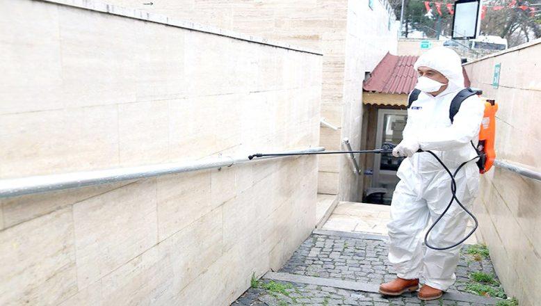Halkın yoğun kullandığı alanlar dezenfekte ediliyor