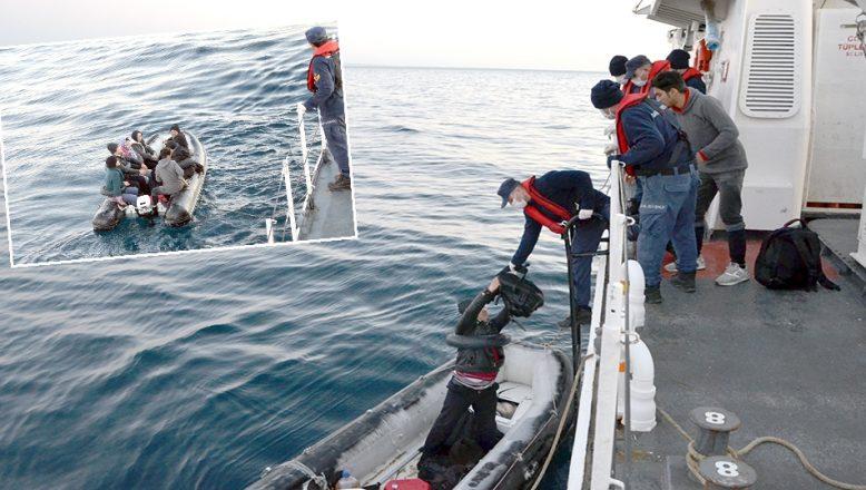 İki lastik botta 40 göçmen yakalandı