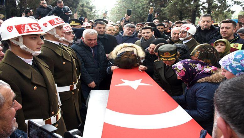 İdlib şehidi Uzman Onbaşı Birhan Er, son yolculuğuna uğurlandı