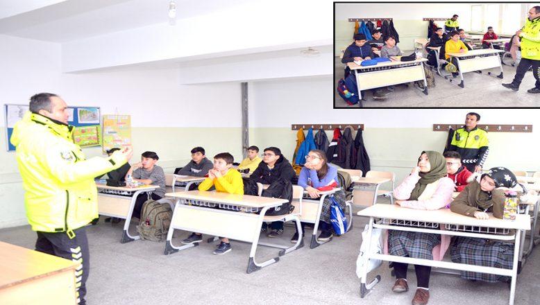 Öğrencilere, trafik eğitimi verildi