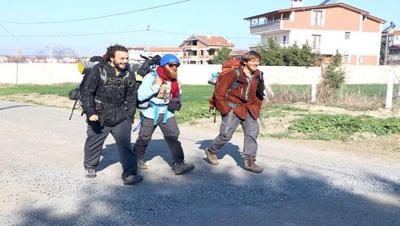 Yürüyerek, Mekke, Kudüs ve İstanbul
