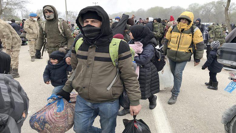 Kırklareli Valiliği: Edirne'den gelen 487 sığınmacı karantina altına alındı