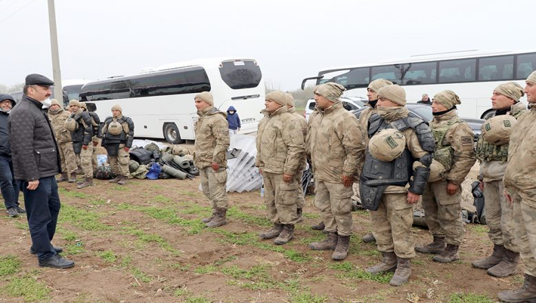 Vali Canalp, sınırda görev yapan personele teşekkür etti