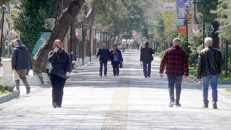 """Trakya kent merkezlerinde """"hafta başı hareketliliği"""" gözleniyor"""