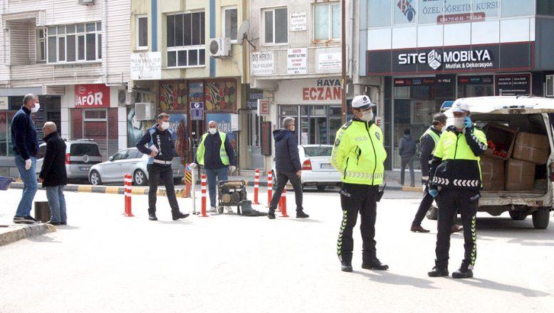 Keşan'da şehir merkezine çıkan yollar araç trafiğine kapatıldı