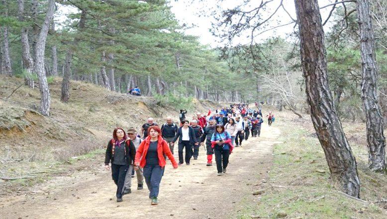 Yenidibek Bölgesi'nde doğa yürüyüşü yaptılar