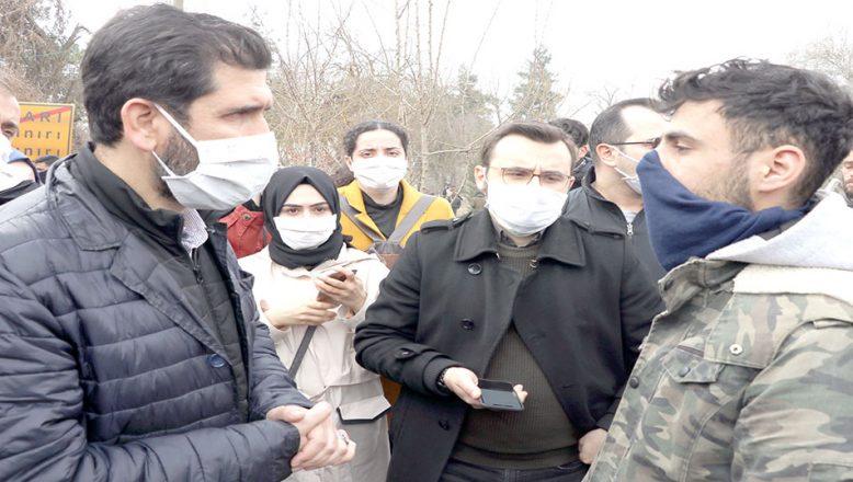 Avukatlar sığınmacılarla görüştü