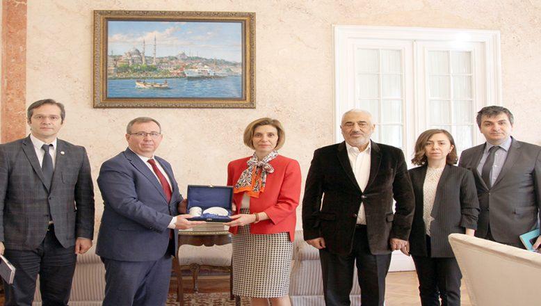 Bükreş Büyükelçisi Aramaz'ı ziyaret ettiler