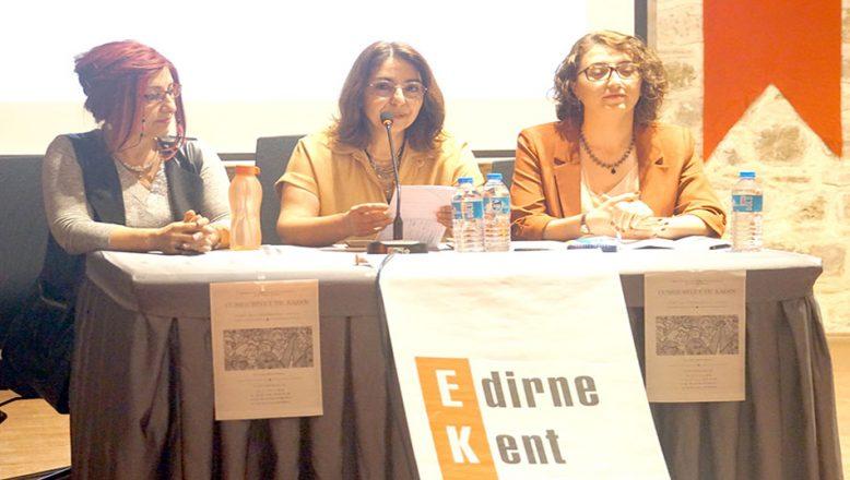 """Egemenlik Toplantılarında """"Cumhuriyet ve Kadın"""""""
