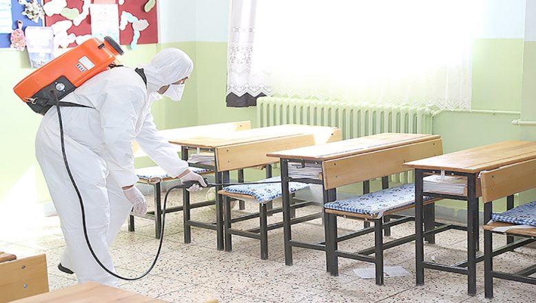 Okullar dezenfekte ediliyor