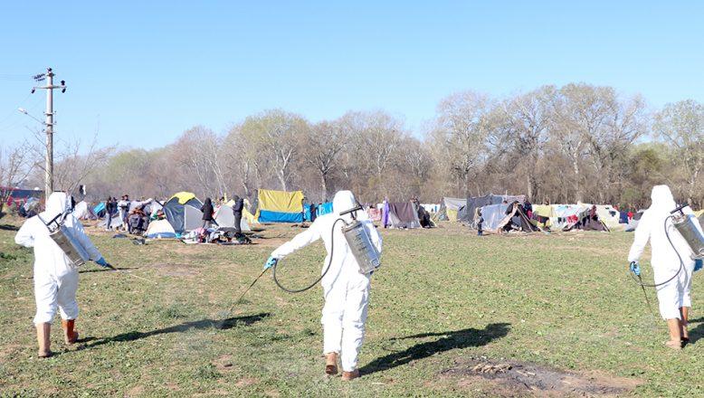 Sığınmacıların alanı dezenfekte ediliyor