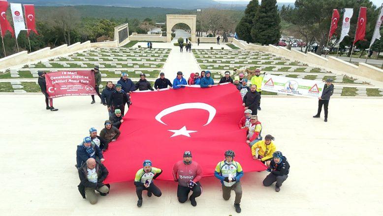 Edirne'den alınan şehit toprağını 57 Alay Şehitliği'ne götürdüler