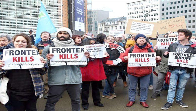 AB'nin ve Yunanistan'ın göç politikaları protesto edildi
