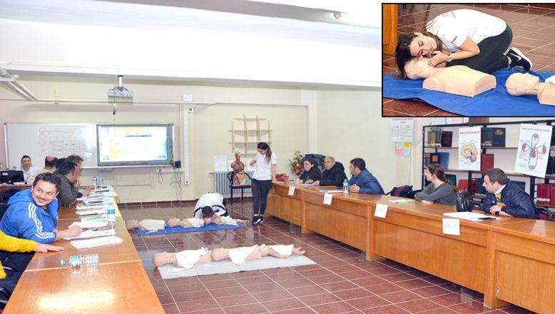 Öğretmenlere ilk yardım eğitimi verildi